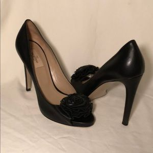 Black Valentino peep toes with rosette